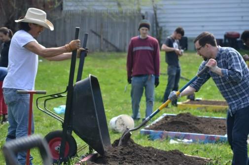 Pittsburgh garden convergence. Credit: GeAnita Smith/Ecosocialist Horizons